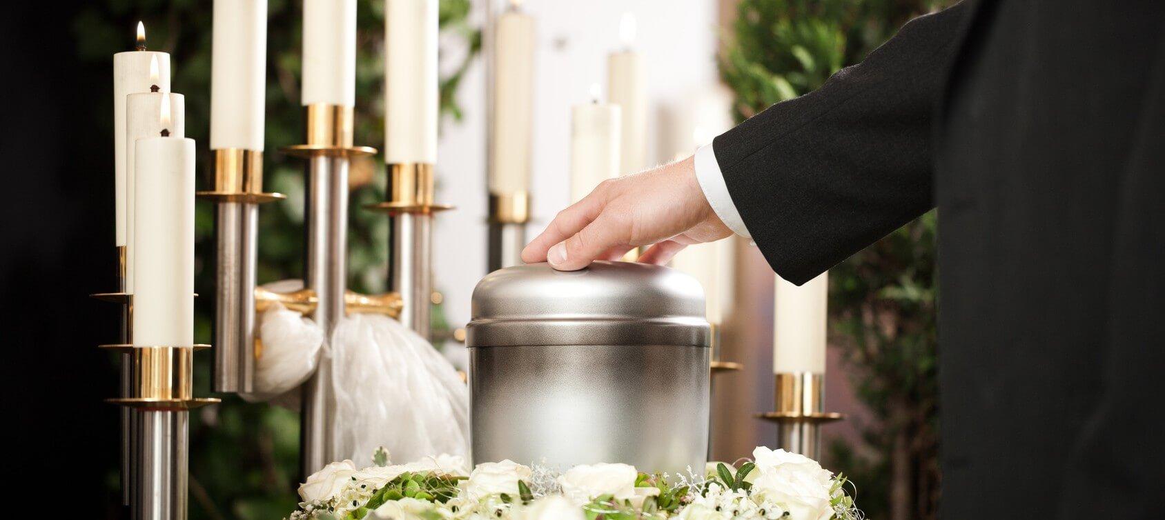 Żelazna urna z krematorium Białystok